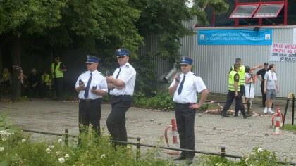 Dowództwo sił policyjnych na tle KDT