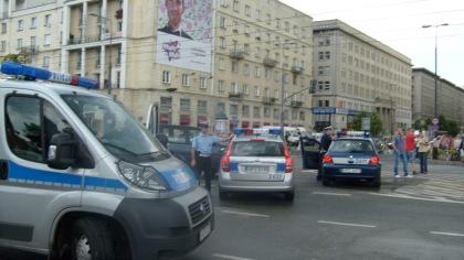 Zablokowany radiowozami róg Marszałkowskiej i Świętokrzyskiej