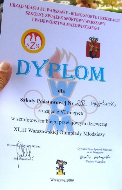 Dyplom sp 28 sztafeta dziewcząt
