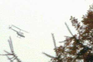 """Akcja policyjna """"ZNICZ"""" z powietrza nad cmenatzrem Bródnowskim"""