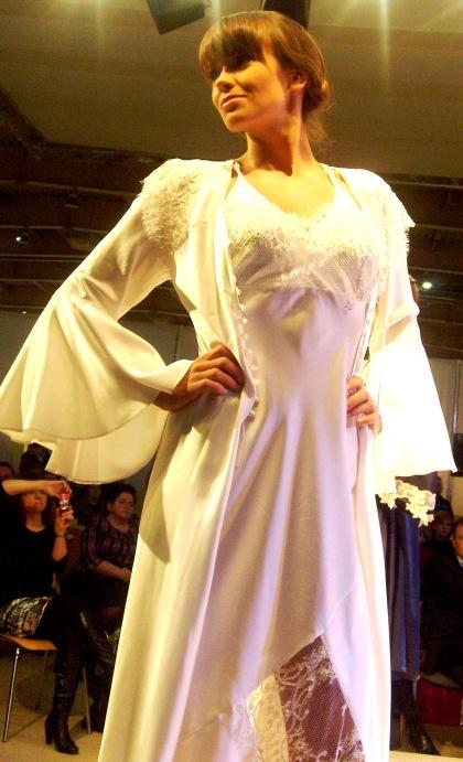 Modelka z Agencji Gildia - Bielizna Nocna