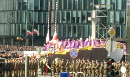 Msza Św.  na Pl. Piłsudskiego 17.04.2010