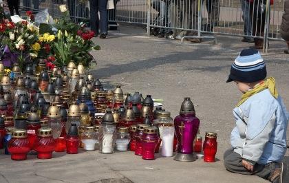 znicze Żałoba Narodowa 13.04.2010 Wybrzeże fot. Roms Miłaszkiewiczius