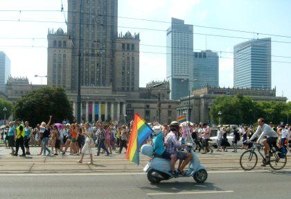 Parada ul. Marszałkowska vs Pałacu Kultury Warszawa 17.07.2010