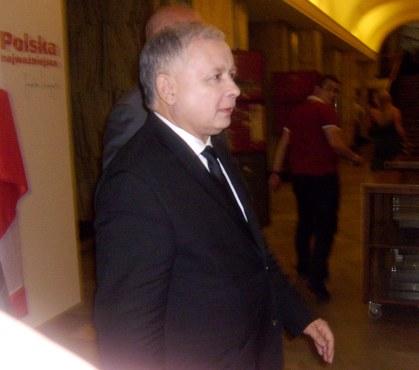 Jarosław Kaczyński Kandydat na urząd Prezydenta RP wychodzi ze Sztabu Wyborczego 02.07.2010 godz. 19.00