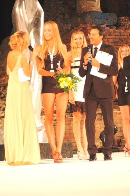 Karolina Mikolajczyk wreczenie nagrody MODEL AWARD 2010