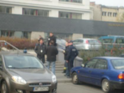 Wejście do sądów ul. Terespolska- alarm bombowy i ewakuacja