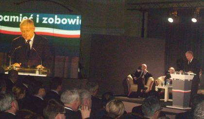 Przemawia Jarosław Kaczyński Prezes PiS Jachranka 10.12.2010