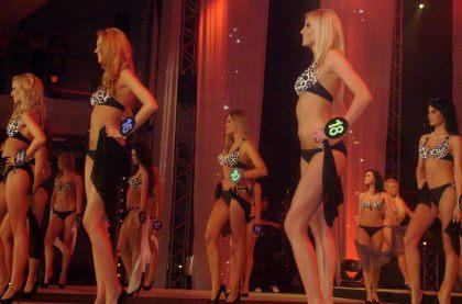 Finał MISS Polonia 2010 pokaz strojów bikini