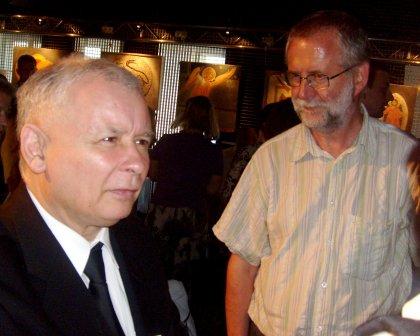 Jarosław Kaczyński i bloger Andrzej Budzyk Jakk na wieczorze autorskim