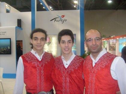 Tancerze na stoisku tureckim